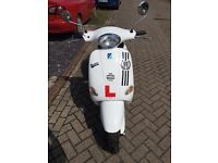 2000 Piaggio ET2 Vespa, White. 50cc. MOT'd until August 2017.