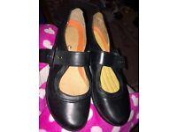 Size 5 1/2 Clark's shoes
