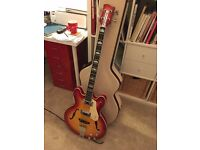 Chowny CHB1 Semi Acoustic Short Scale Sunburst Bass 2016 original and Hard Case - in mint condition