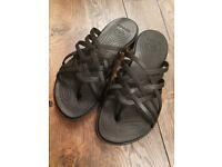 6b0497df6048 Crocs Huarache ladies flat flip flip sandals beach summer UK 4 W6 black  will  post