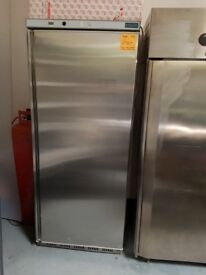 1 DOOR STAINLESS STEEL UPRIGHT FRIDGE AST194