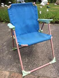 Toddler fold-up chair