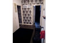 Beautifully Decorated 2 Bedroom Flat, East End