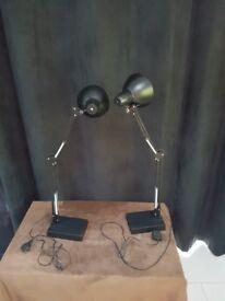 2 extendable desk lamps
