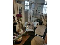 Silver apholsterd chesterfield chair