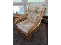 Conservatory Suite - Very good condition. 2 seat settee and 2 single chairs. Buyer uplifts.