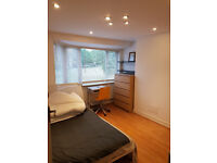 Double bedroom, clean, full amenities, friendly household, not to be missed