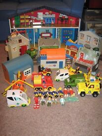 FIREMAN SAM - LARGE SELECTION OF BUILDINGS, VEHICLES AND ACCESSORIES.