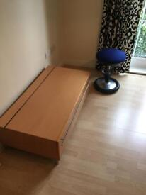 Tv table for sale ( like NEW )