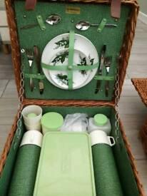 Vintage 2 person picnic set