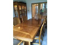 Beautiful extendable wooden dining table,6 chairs,dresser and lamp table