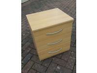Modern beside chest, 3 drawers