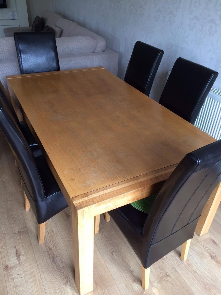 DINING TABLE SOLID OAK inc 6 LEATHERETTE CHAIRS