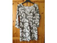 Ladies 'White Stuff' tunic style top - size 12 (in good condition)