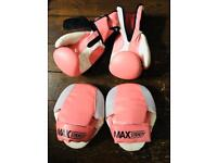 Boxing gloves and boxing pads (10oz, pink)