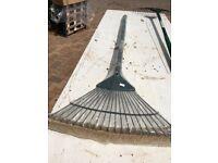 Garden rake - Spear and Jackson steel prong 15 yaer warranty (still wrapped)