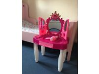 Hello Kitty cooker and dressing table