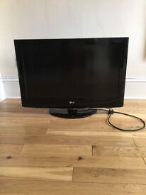 LG 32 inch Flatscreen TV with remote