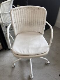 BEAUTIFUL IKEA office chair - White
