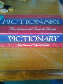 NEW SEALED & COMPLETE PICTIONARY GAME - READY FOR A CHRISTMAS PRESENT - CAN POST