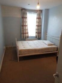 TWO LARGE DOUBLE BEDROOMS AVAILABLE IMMEDIATELY