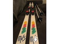 DYNASTAR MV5 195CM SKIS WITH SALAMON BINDINGS AND SCOTT SKI POLES. £25