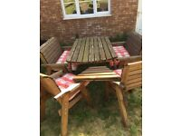 Quality 6 seat Charles Taylor garden furniture set with brand new cushions and trays