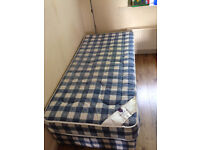 Almost brand new single mattress in affortable price