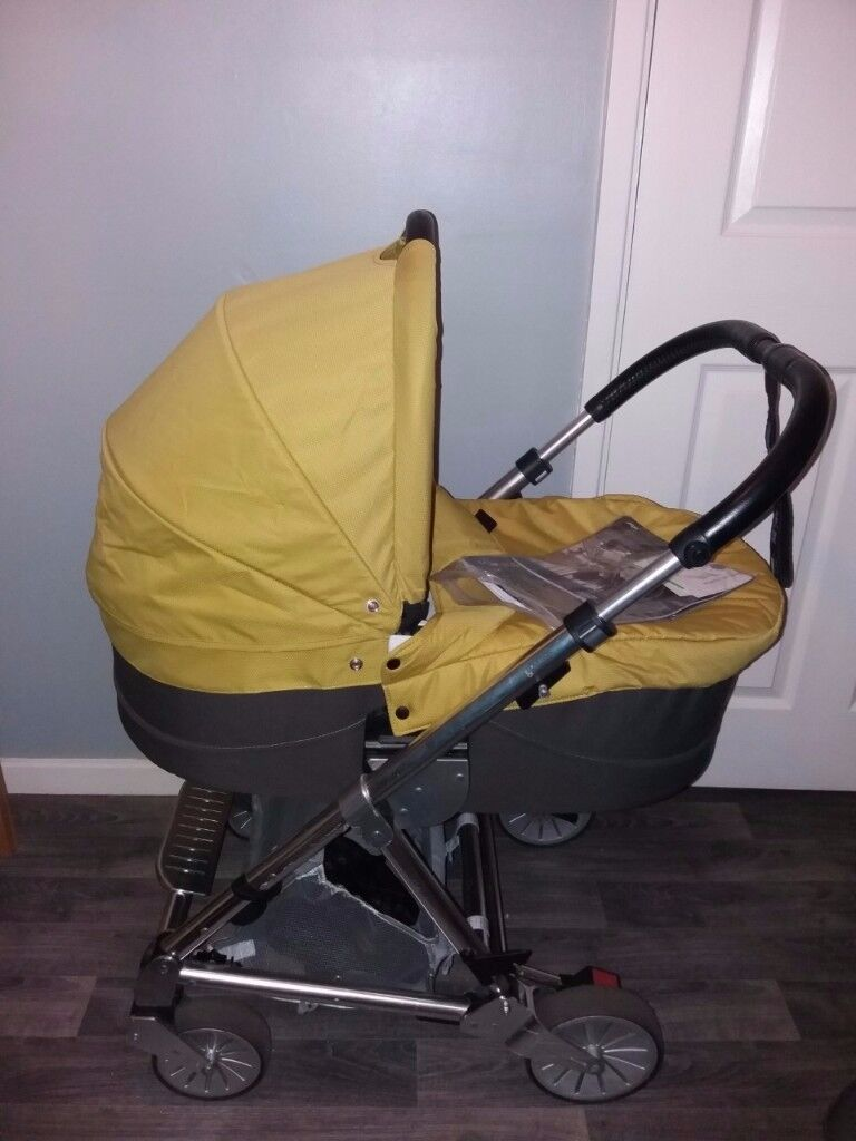 Mamas and Papas Urbo 2 pushchair and carrycot Lime Jelly colour