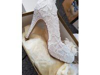 Vintage wedding shoes size 5 ivory
