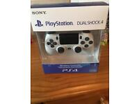 PS4 DualShock controller.4 New sealed