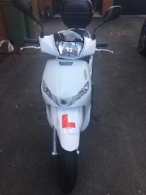 Peugeot Tweet 125cc '17 plate, Battery needed otherwise perfect condition, warranty until 14.07.2019