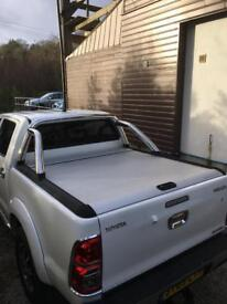 Toyota Hilux Mountain Roll Top and chrome bars