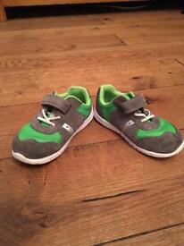 Clarks child's Size 5 1/2 F shoes