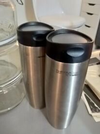 Pair of 400ml Thermos flasks central London bargain