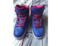 Excellent condition Pastry high tops