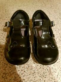 Clarks patent leather shoes 7G