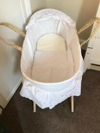Clair De Lune Moses basket stand and mattress
