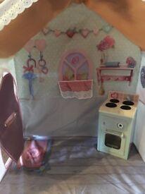 Rose petal cottage with kitchen
