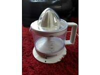Braun electric juicer. Excellent condition.