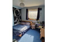 Very quiet Double room for rent in a Flat share
