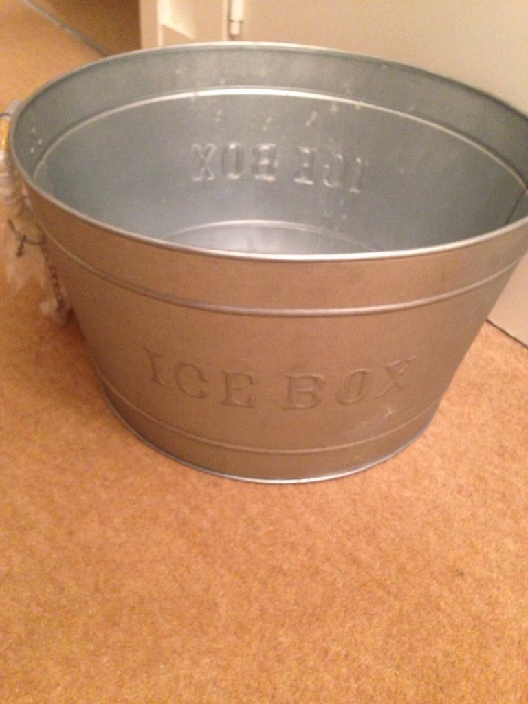 Jamie Oliver ice box
