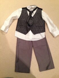 Boy's wedding / Christmas outfit age 2-3 years