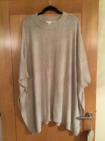 H&M women's beige Poncho in wool blend size m/l