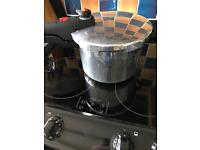Prestige pressure cooker 5 litre gas, electric or induction suitable