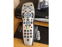 SKY HD BOX 500 GIG RECORD ABLE (DRX 890)EXCELLENT CONDITION
