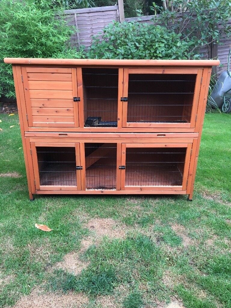 5ft Hutch. Was only used for 1 week