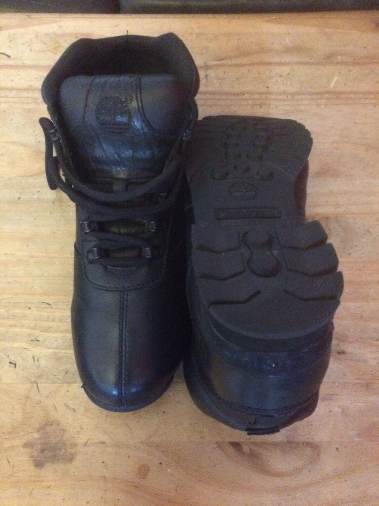 SIZE 10.... Men s black timberland ankle boots  20c183fb4002