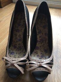 Ladies cream/black Next heels - size 5