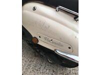 Lexmoto Valencia 125cc 2016 plate, cream.